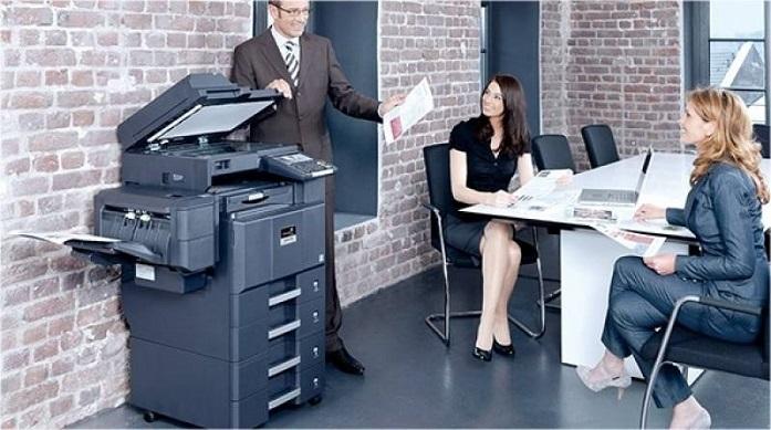 impressora profissional em escritório